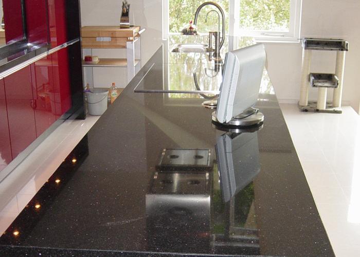Plaatsen keuken - P & E Installatietechniek Zaandam